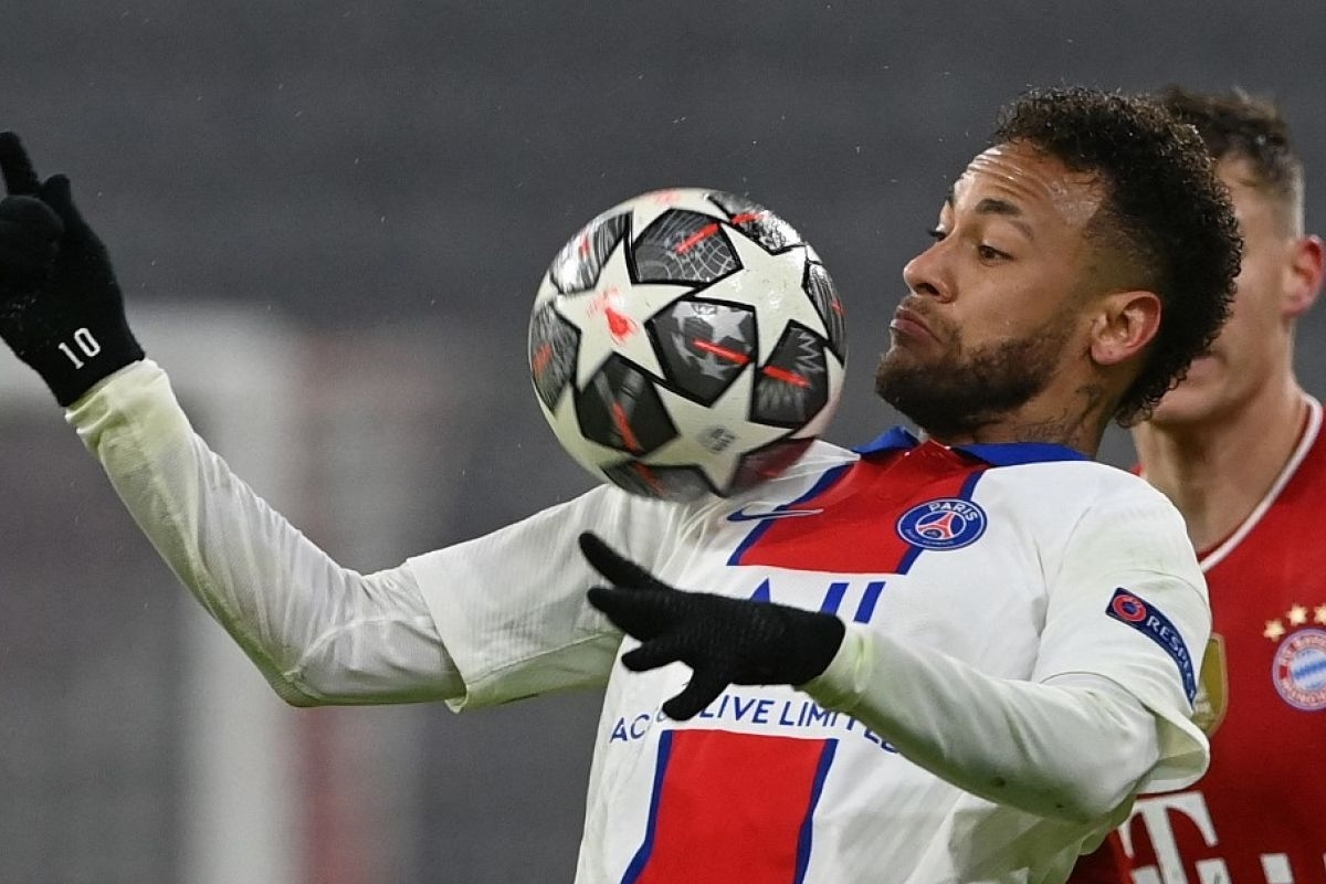 Tiền đạo: Neymar (PSG) – 9 điểm