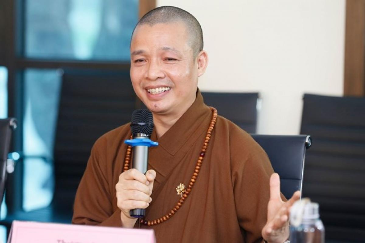 Thượng tọa Thích Minh Quang chia sẻ tại Tọa đàm. (Ảnh: Quang Vinh/Đại Đoàn kết).