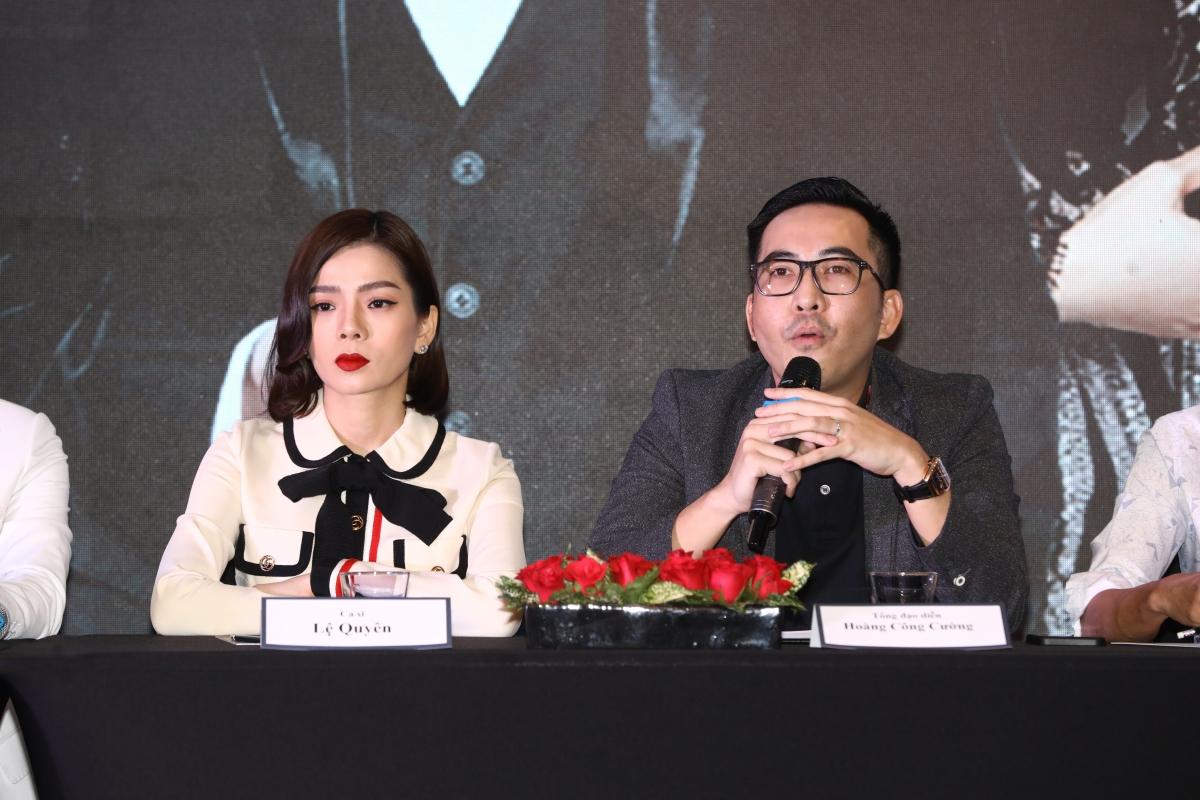 Anh trai Quang Hà là Quang Cường đảm nhận vai trò đạo diễn sân khấu.