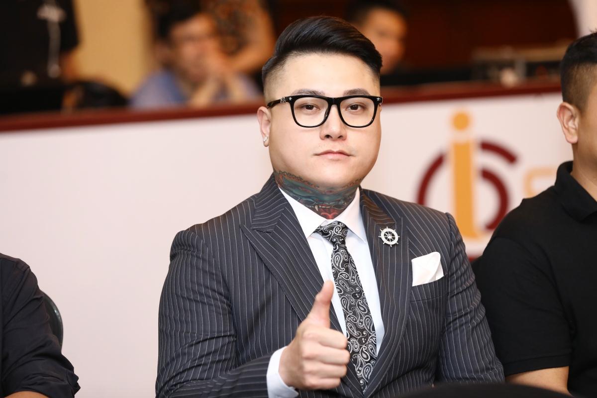 Ca sĩ Vũ Duy Khánh.