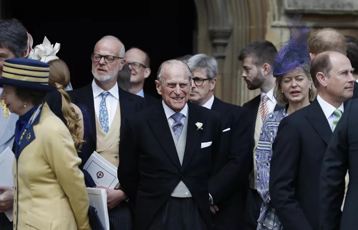Hoàng thân Philip nổi tiếng vì không chịu khuất phục trước sự đúng đắn về chính trị, điều mà ông thường bị chỉ trích. Một số chuyên gia hoàng gia tin rằng nhiều tuyên bố của ông, mà báo chí cho rằng không phù hợp, được thúc đẩy bởi mong muốn làm nhẹ bầu không khí và khiến mọi người thoải mái.