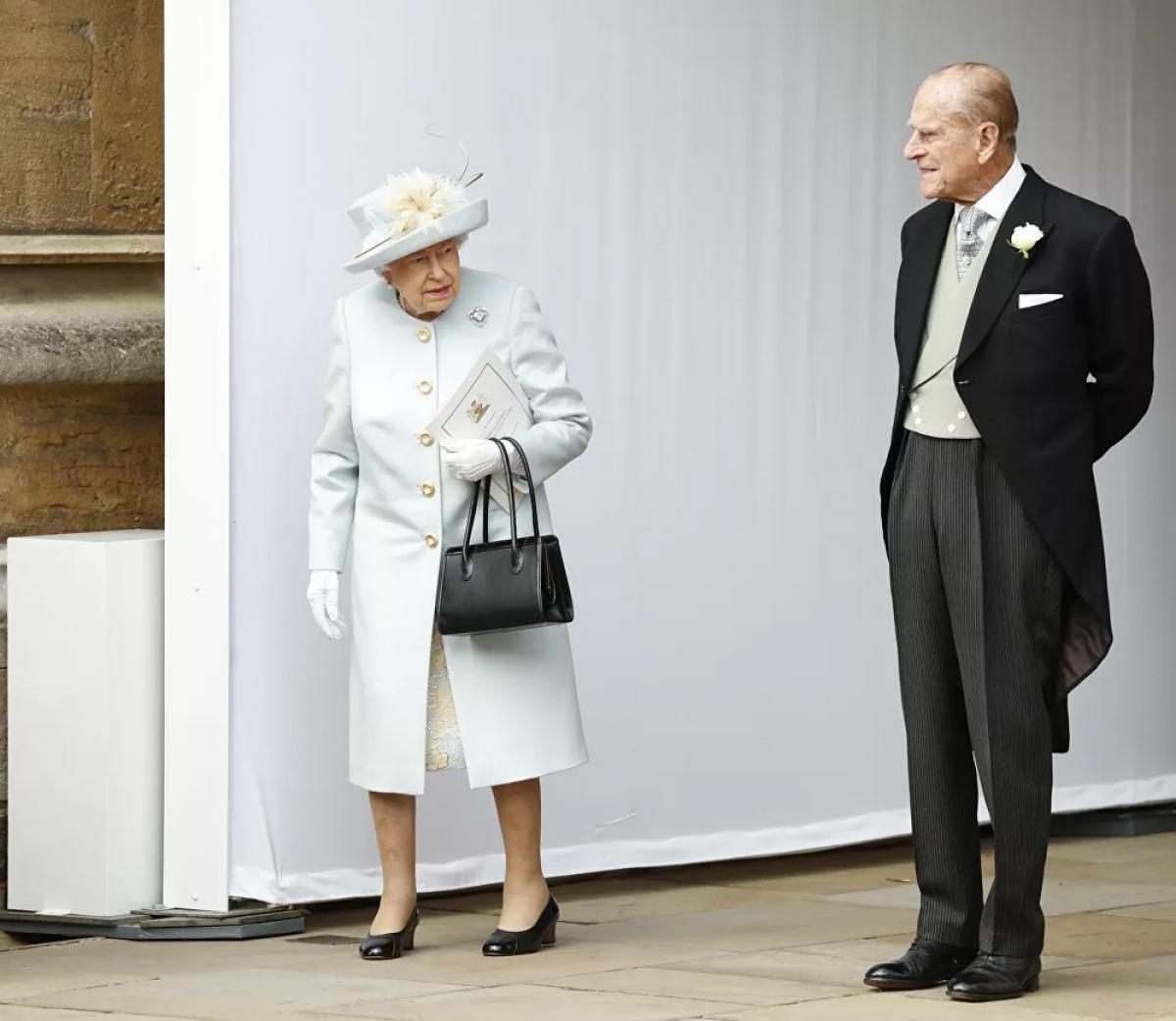 Trong những năm gần đây, Hoàng thân Philip thường xuyên phải nhập viện, nhưng mỗi lần như vậy ông đều từ chối gặp bất kỳ vị khách nào, kể cả Nữ hoàng.