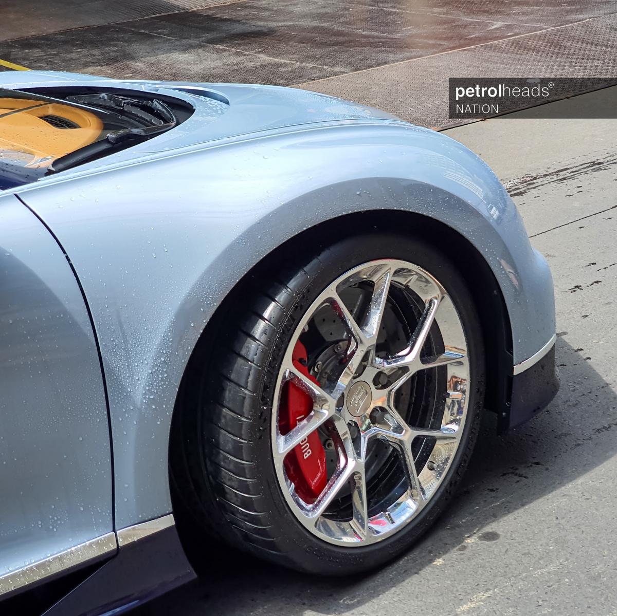 Bugatti chỉ sản xuất 500 chiếc Chiron với giá bán mỗi chiếc ở mức trên 3 triệu USD.