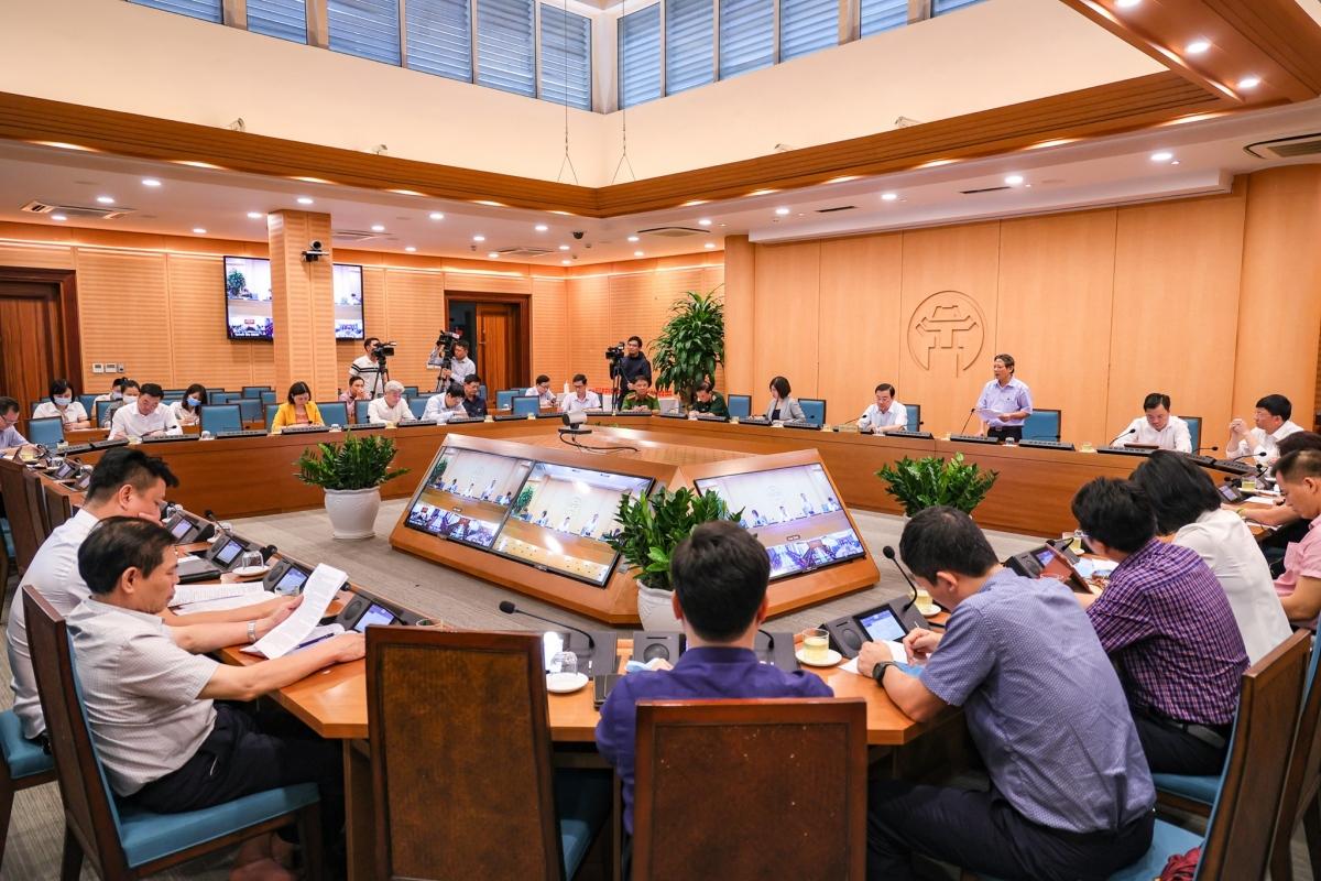 Toàn cảnh cuộc họp BCĐ phòng, chống Covid Hà Nội chiều 30/4.
