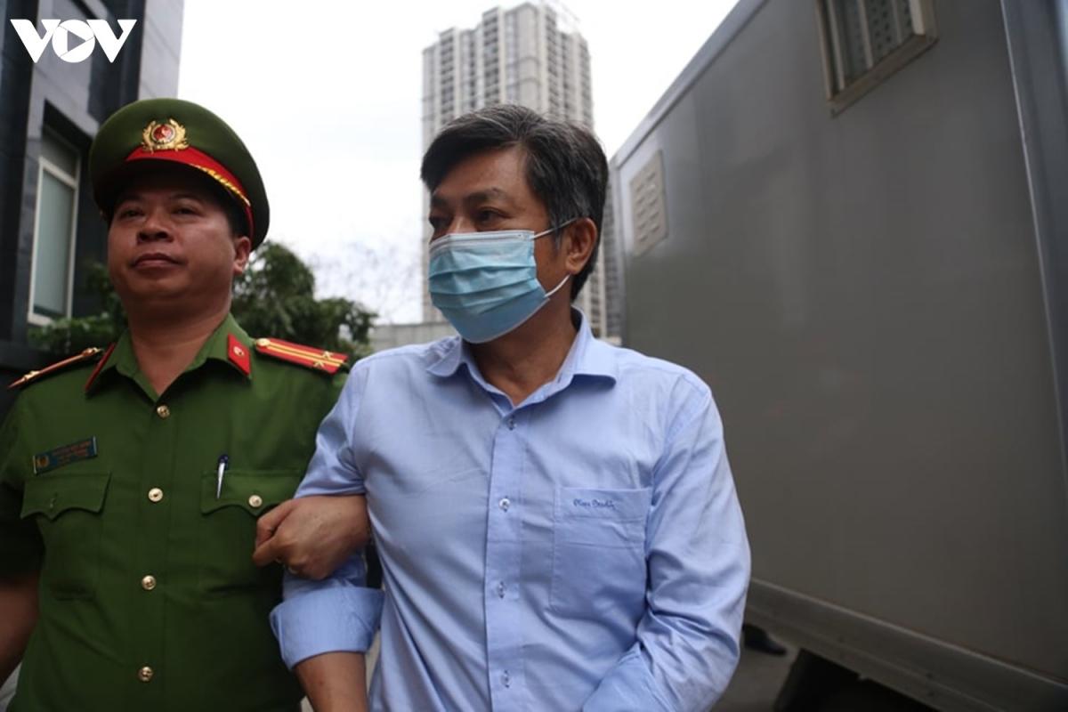 Theo cáo trạng, ông Kiệt bị cáo buộc đã lập tờ trình, về việcchấp thuận cho Công ty cổ phần Đầu tư Sabeco Pearl thuê khu đất với thời gian 50 năm xây dựng dự án khu phức hợp 6 sao (trung tâm hội nghị, văn phòng cho thuê...)