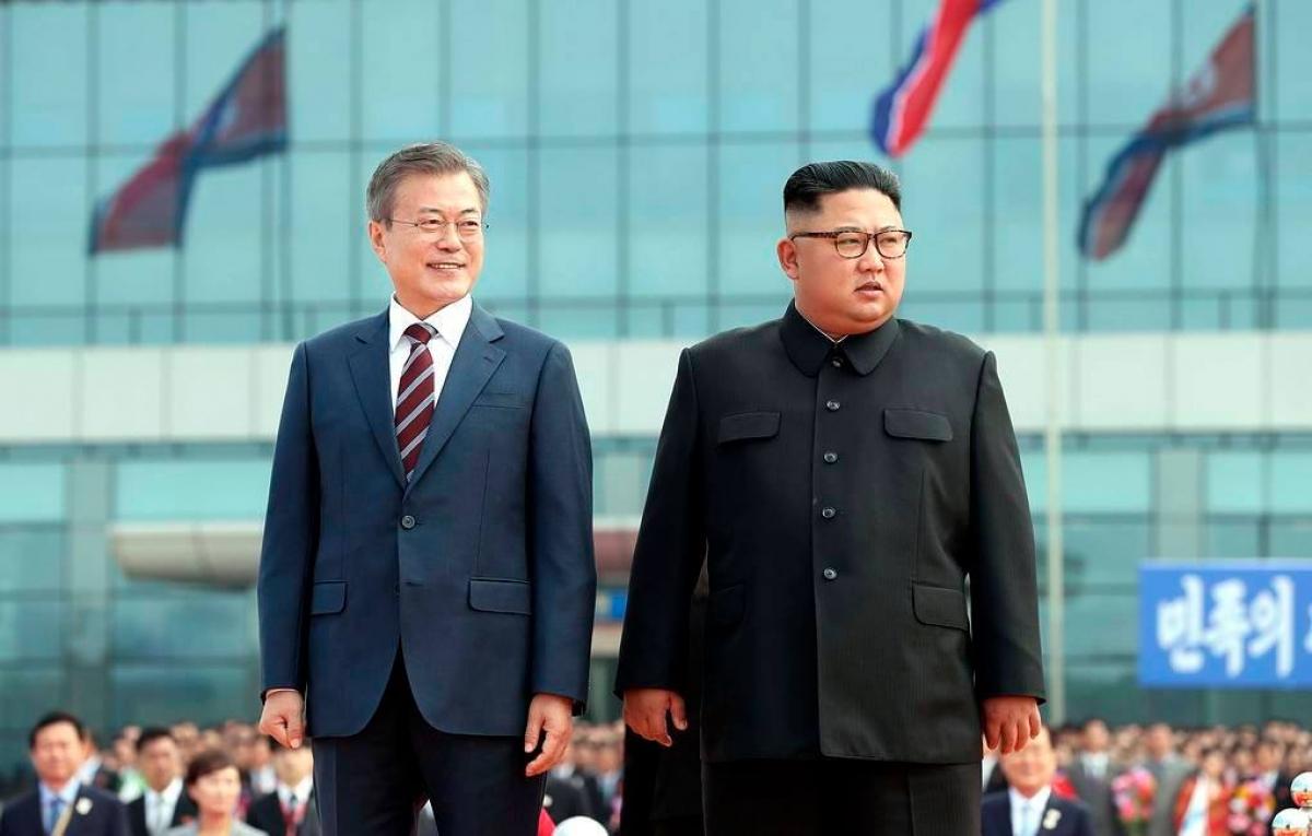 Tổng thống Hàn quốc Moon Jae-in và nhà lãnh đạo Triều Tiên Kim Jong-un (Ảnh: KCNA).