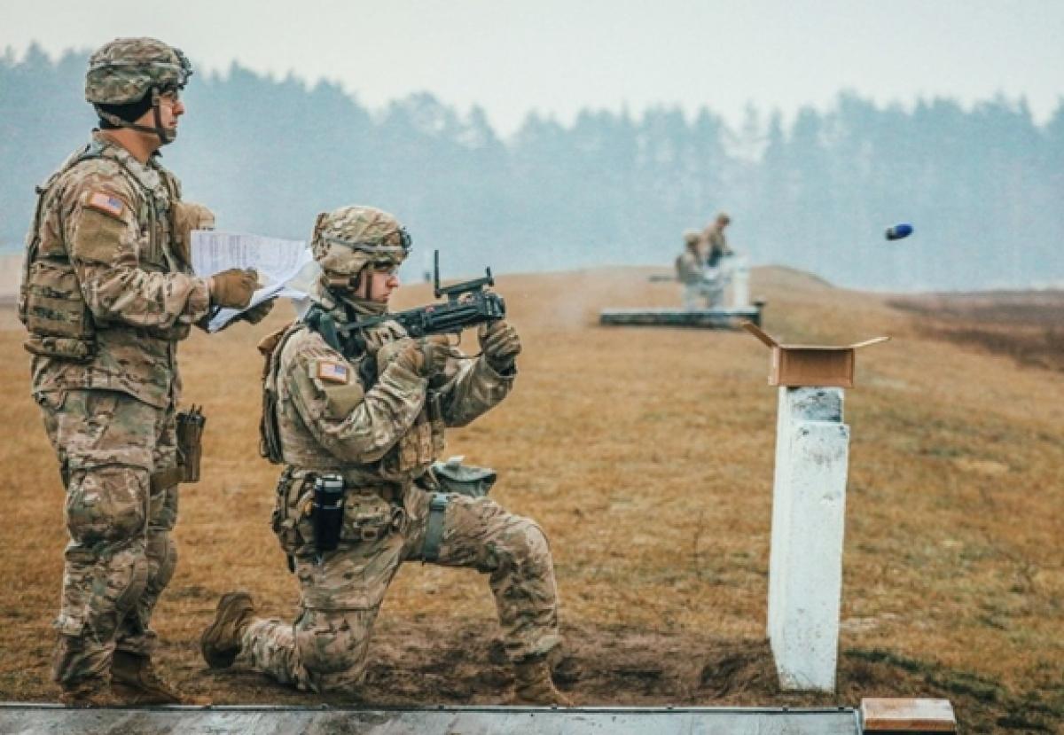 Binh sĩ Mỹ sử dụng súng phóng lựu. Ảnh: US Army.