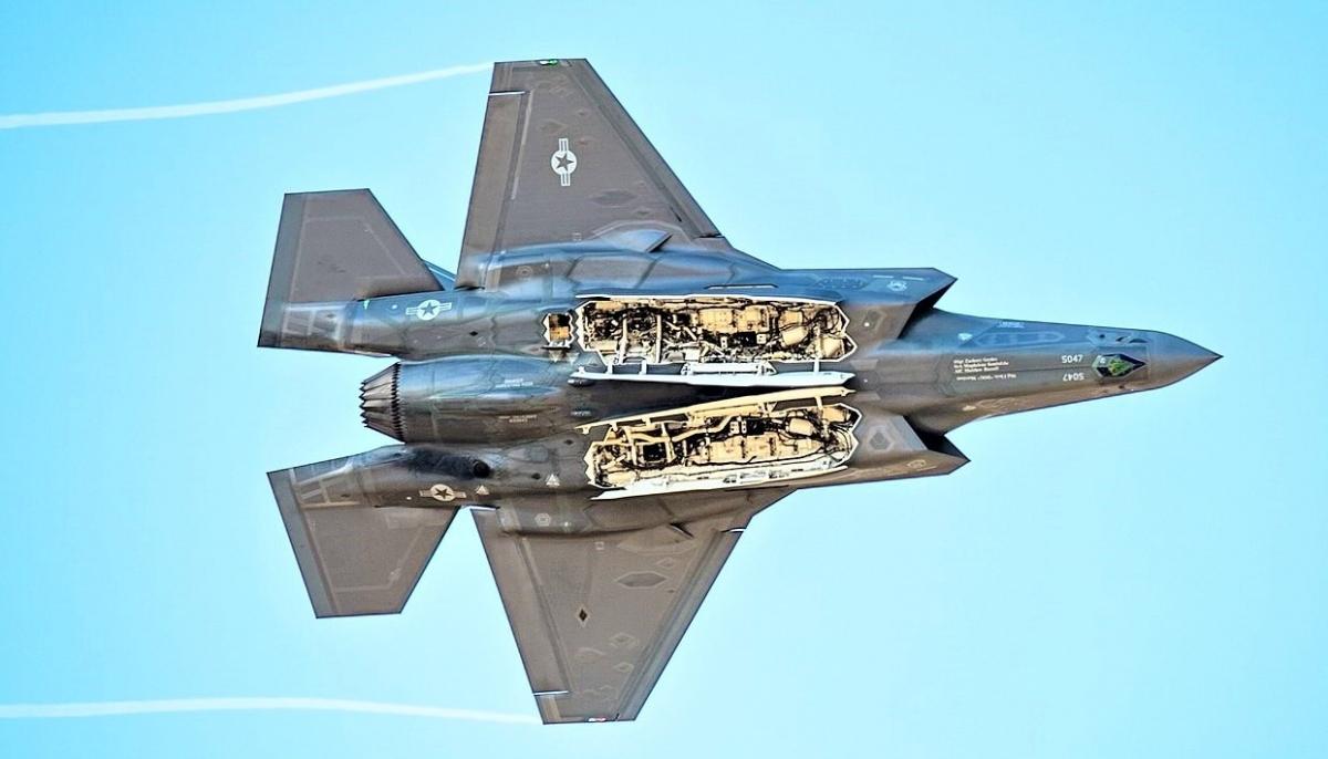 F-35A đã thành công với thử nghiệm mang bom hạt nhân chiến thuật trong thân, tấn công mục tiêu khi bay ở tốc độ siêu âm; Nguồn: wikipedia.org