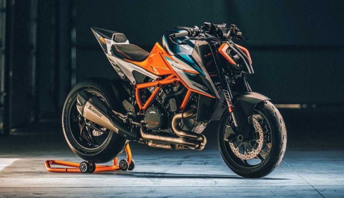 Về động cơ, chiếc Super Duke RR được trang bị động cơ V-twin 1.301cc đáp ứng tiêu chuẩn Euro 5 của KTM.