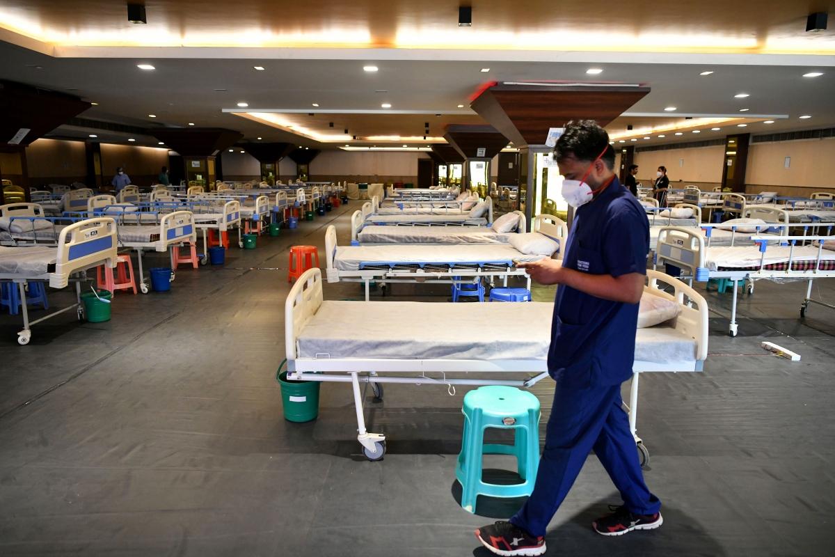 Một hội trường mới được chuyển đổi thành bệnh viện dã chiến ở thủ đô New Delhi, Ấn Độ (Ảnh: ANI)