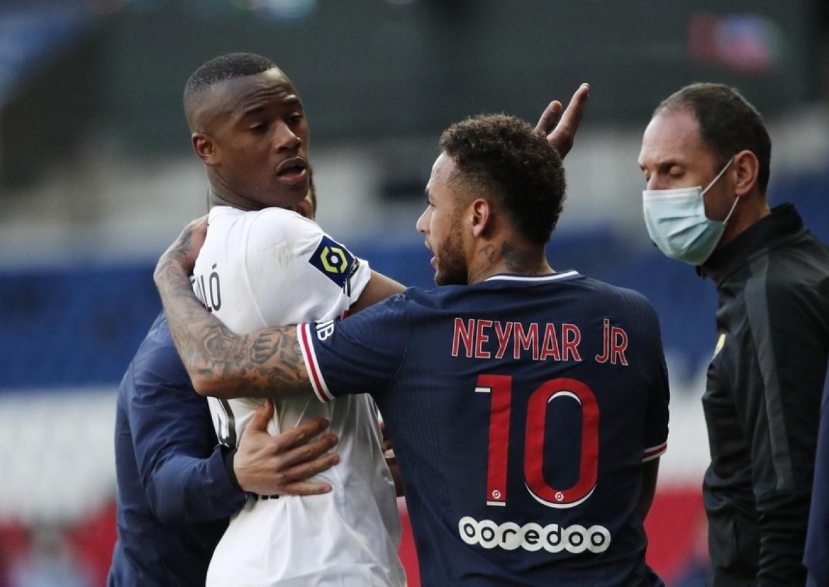 Vừa trở lại sau chấn thương, Neymar nhận thẻ đỏ thứ 11 trong sự nghiệp | VOV.VN