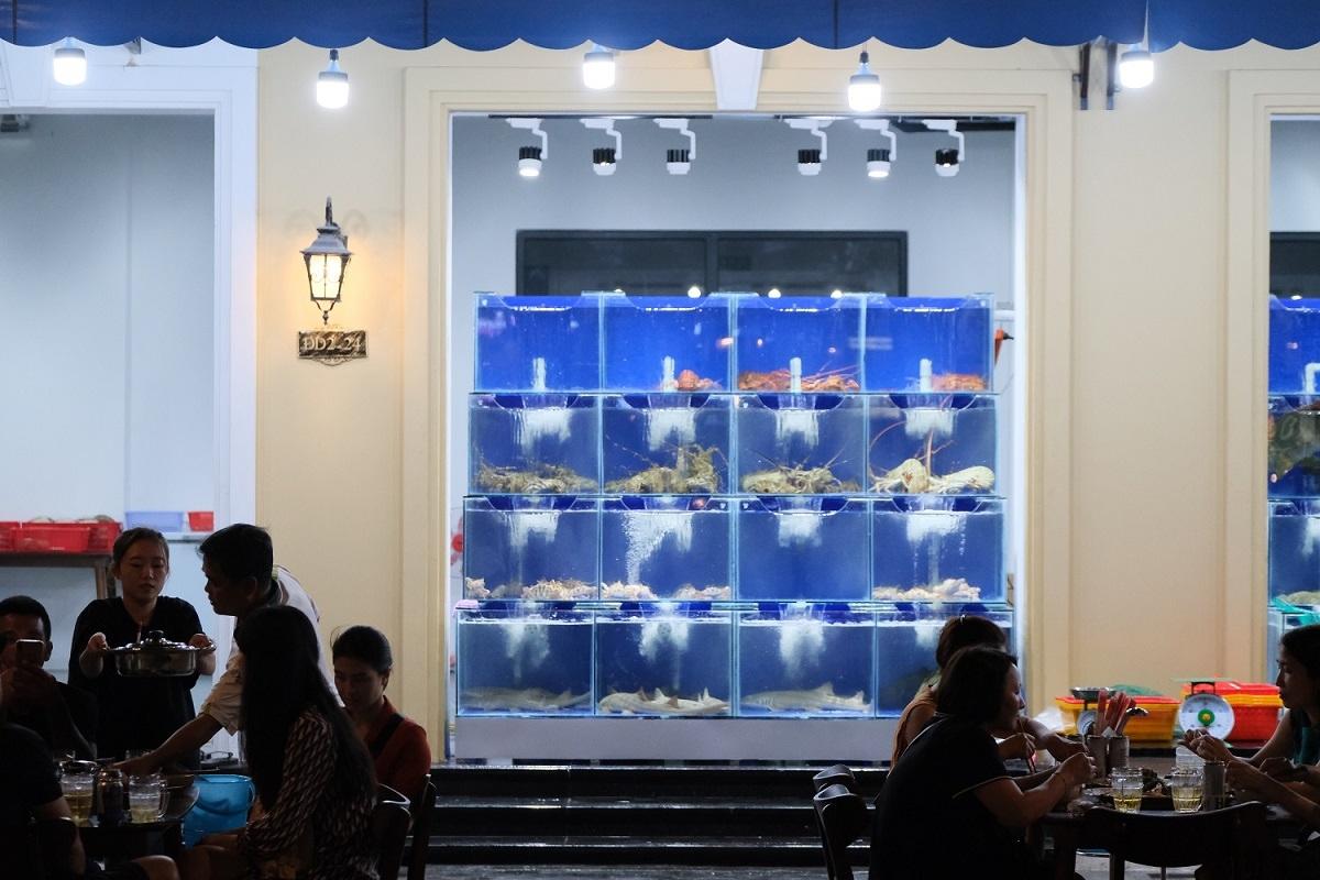 Nhiều món hải sản tươi ngon, đánh bắt trong ngày tại Grand World