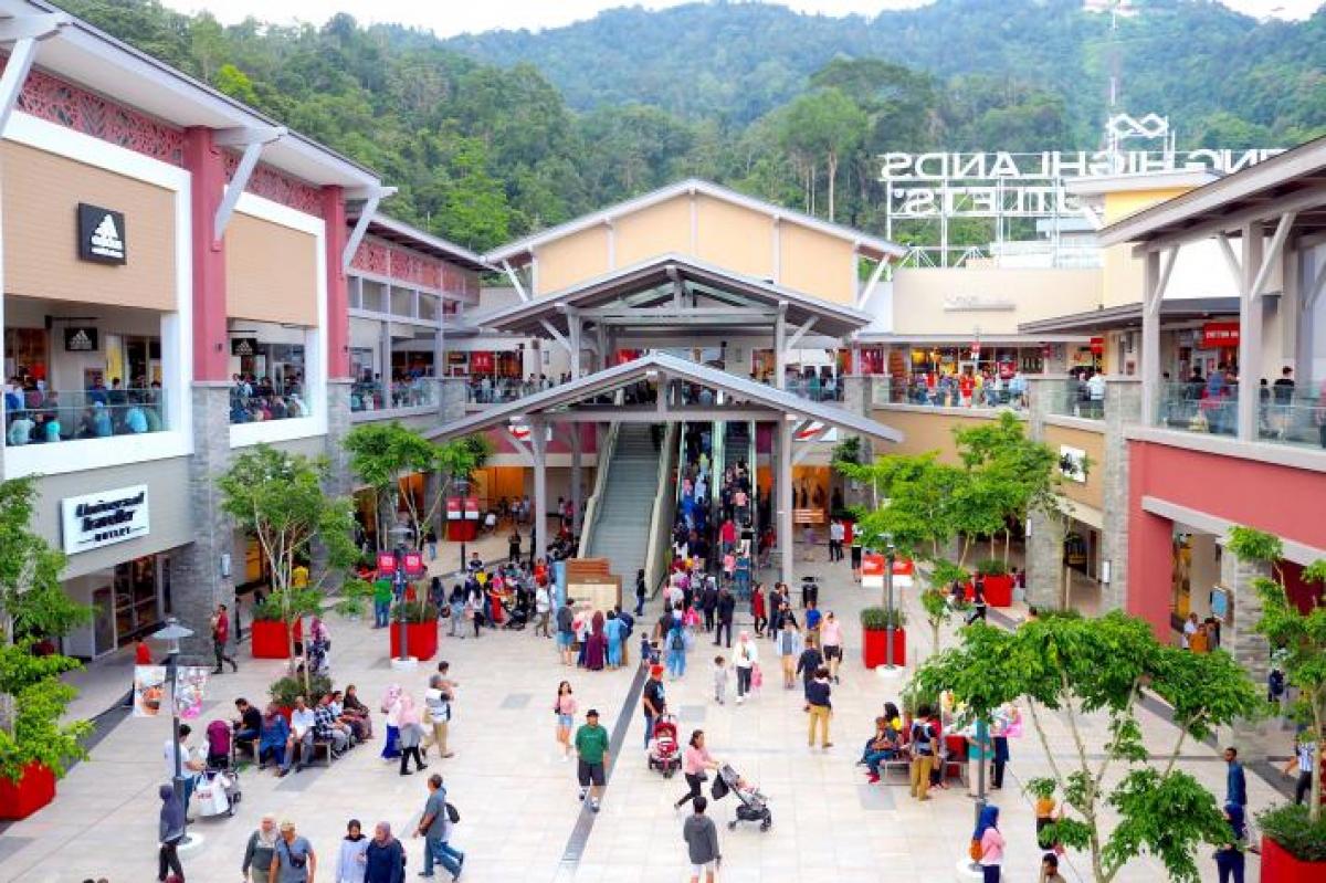 Các phân khu mua sắm từ sang trọng đến giá cả bình dân phục vụ mọi đối tượng khách hàng tại Genting Malaysia. (Ảnh: Eat and Travel with us)