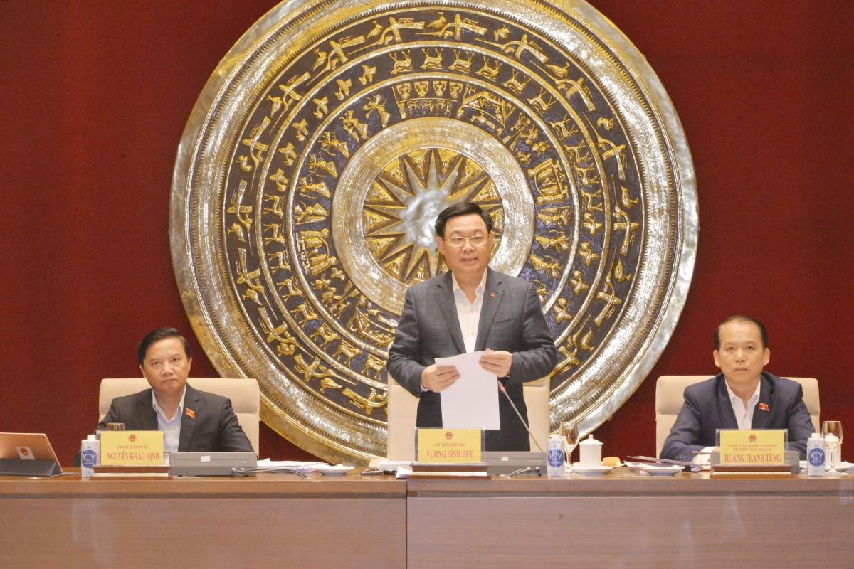 Chủ tịch Quốc hội Vương Đình Huệ làm việc với Ủy ban Pháp luật.