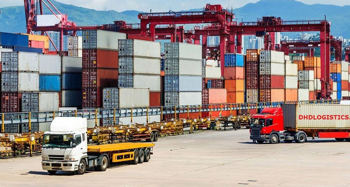 Việt Nam nhập siêu 1,31 tỷ USD nửa đầu tháng 4 (Ảnh minh họa: KT)