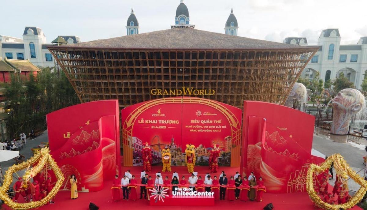 Phát biểu tại buổi lễ, ông Thang Văn Phúc, nguyên Thứ trưởng Bộ Nội vụ, Chủ tịch Trung ương Hội Kỉ lục gia Việt Nam khẳng định, những kỉ lục vừa xác lập của Phú Quốc United Center thể hiện nỗ lực của doanh nghiệp để đưa Phú Quốc nói riêng và Việt Nam nói chung lên bản đồ điểm đến của thế giới.