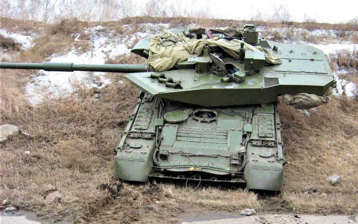 Khi chương trình Armata gặp một số khó khăn, Burlak là ứng viên sáng giá thay thế T-14 Armata nhờ có giá cả phải chăng hơn và dễ sản xuất hơn, trong khi tính năng chiến đấu gần như tương đương; Nguồn: reddit.com