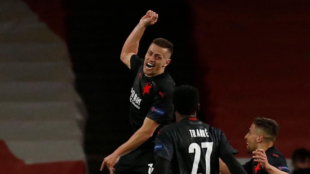 Hậu vệ: Tomas Holes (Slavia Praha) – 7,3 điểm
