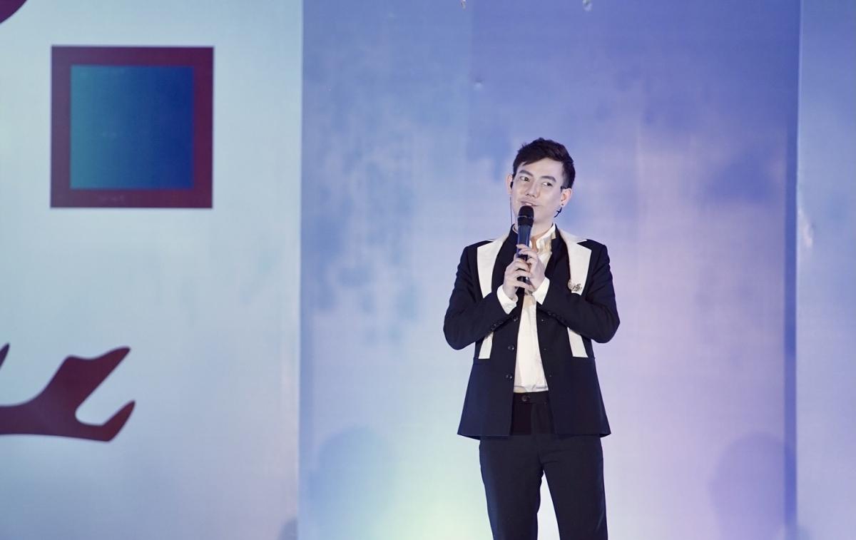 NTK Lê Trần Đắc Ngọc chia sẻ tại lễ công bố Đại hội siêu mẫu nhí 2021.