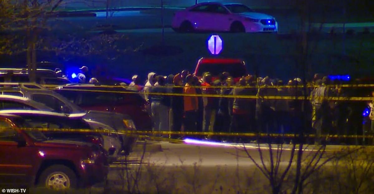 Cảnh sát phong tỏa hiện trường vụ xả súng. Ảnh: WISH-TV