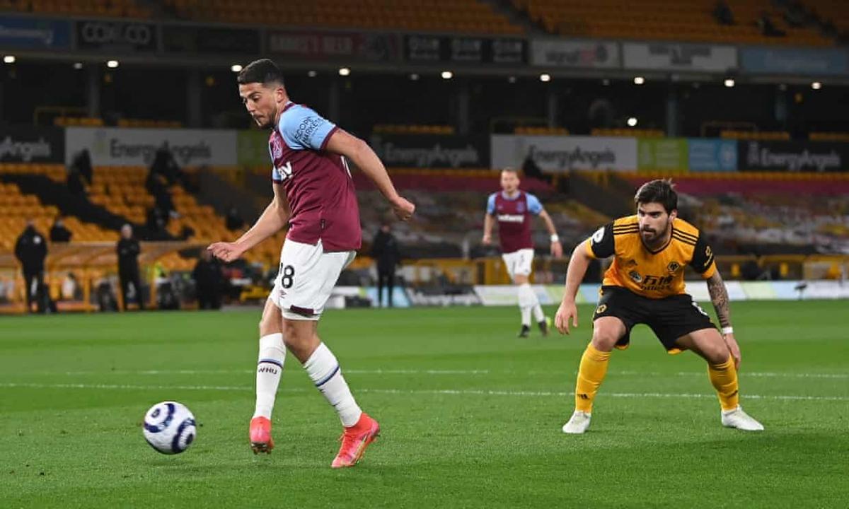 Pablo Fornals dứt điểm cận thành tung lưới Wolves.