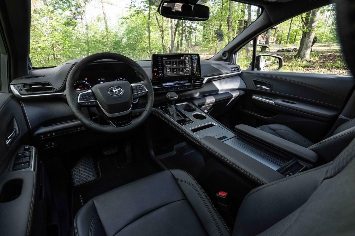 Toyota cho biết, hệ thống này sẽ truyền 80% sức mạnh đến bánh sau trong quá trình tăng tốc và khi chạy trên những bề mặt trơn trượt.