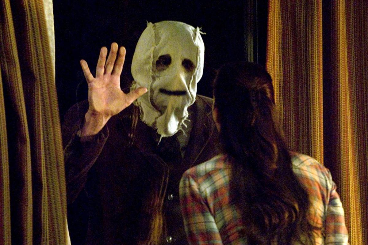 Chiếc mặt nạ vải bố xuất hiện nhiều trong các phim kinh dị.