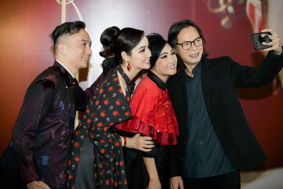 """Đạo diễn Trần Lực, ca sĩ Phương Thanh ủng hộ phim """"Kiều""""."""