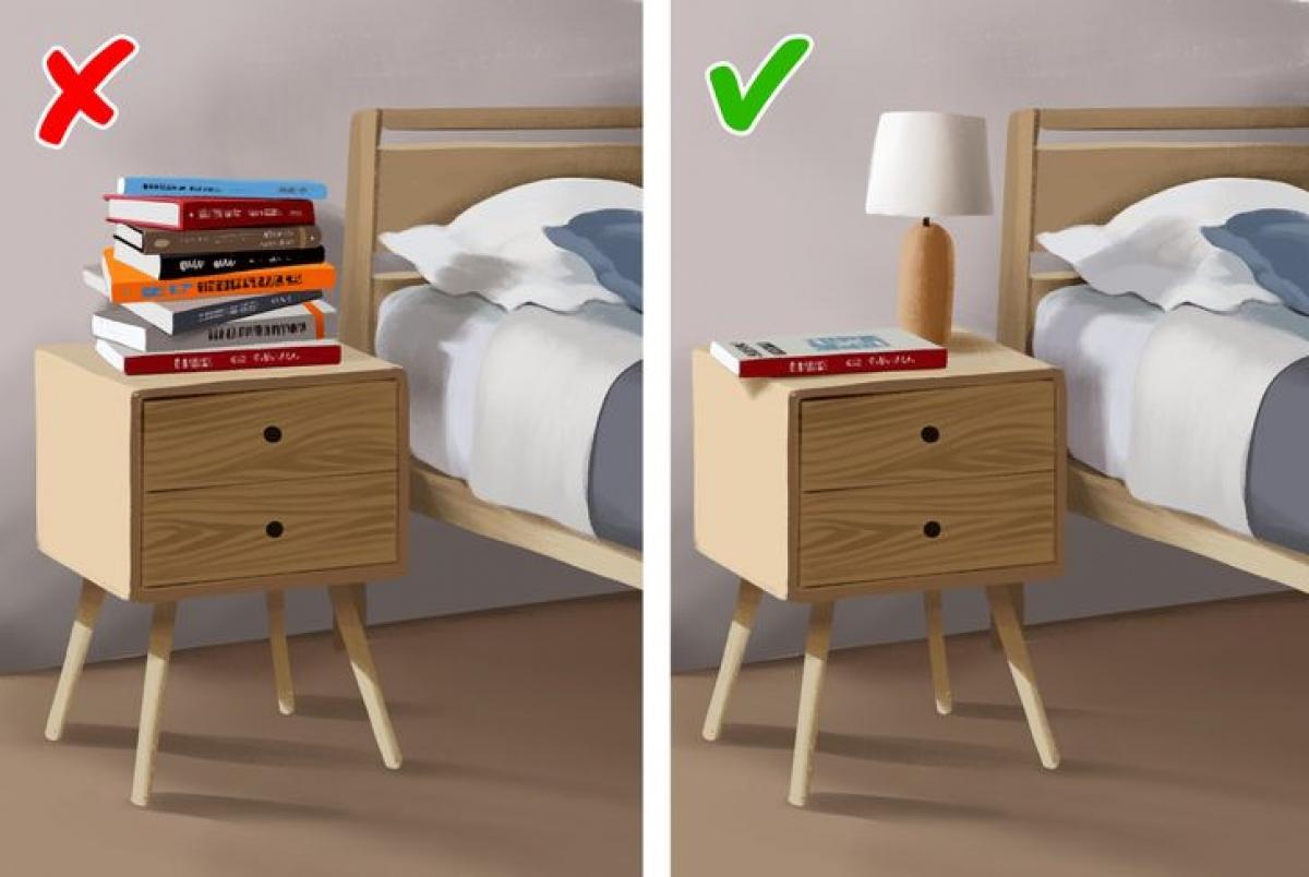 Nhiều người thích mua sách và nếu chưa có thời gian đọc, họ thường để sách bừa bãi trong phòng ngủ. Bạn nên cất sách vào giá để sách hoặc phòng làm việc, không để sách ở phòng ngủ vì sách chưa đọc gây ra trạng thái lo lắng, căng thẳng vì chưa đọc. Ngoài ra, nó cũng khiến phòng ngủ thêm lộn xộn và là nơi chứa bụi, vi khuẩn.