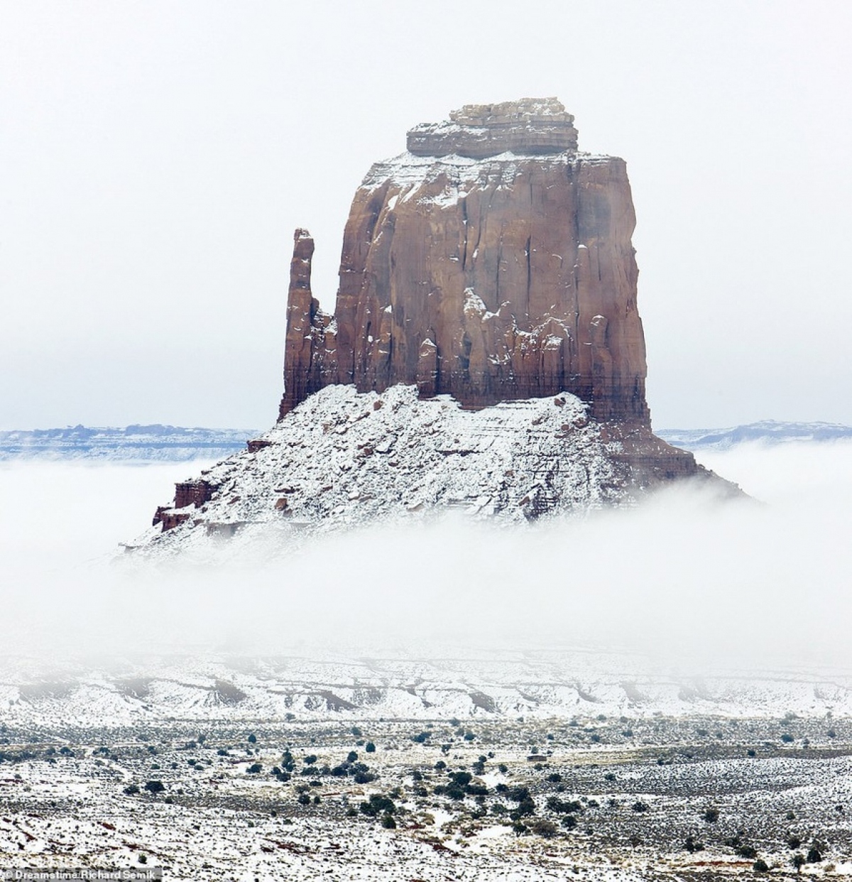 East Mitten Vutte in Monument Valley of Arizona in the US.