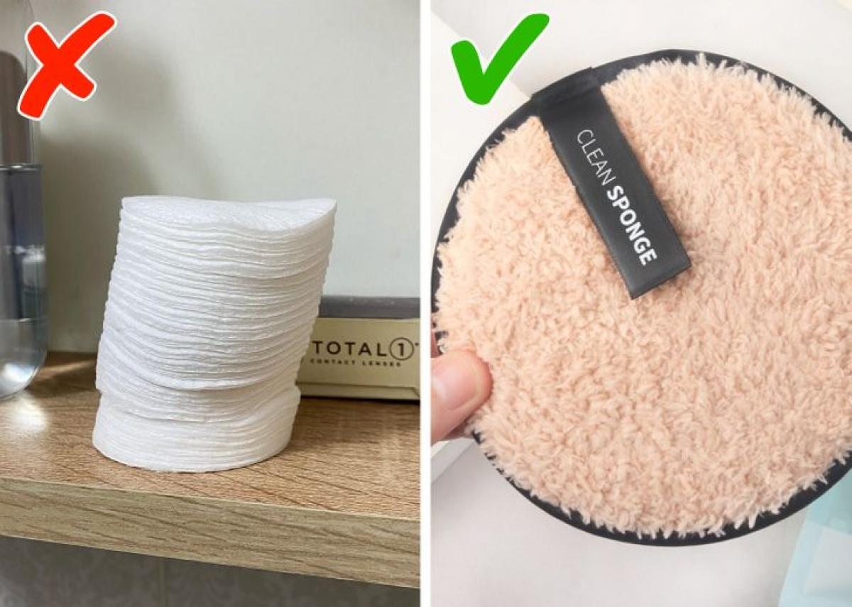 Để tẩy trang, nhiều phụ nữ sử dụng những miếng bông cotton vừa đắt lại vừa xả rác ra môi trường. Thay vào đó, bạn hãy sử dụng những miếng mút, bông làm từ bột tre hoặc các chất liệu thân thiện với sức khoẻ, môi trường, tái sử dụng chúng bằng cách sử dụng xong rồi giặt, phơi khô sạch sẽ...