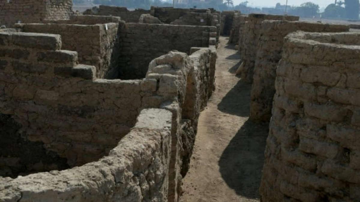 Thành phố cổ đại lớn nhất Ai Cập được xây dựng vào thời kỳ trị vì của pharaoh Amenhotep III. Ảnh: Reuters