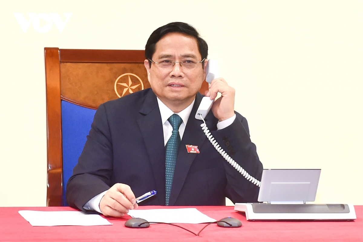 Vietnamese Prime Minister Pham Minh Chinh holds phone talks with Lao Prime Minister Phankham Viphavanh