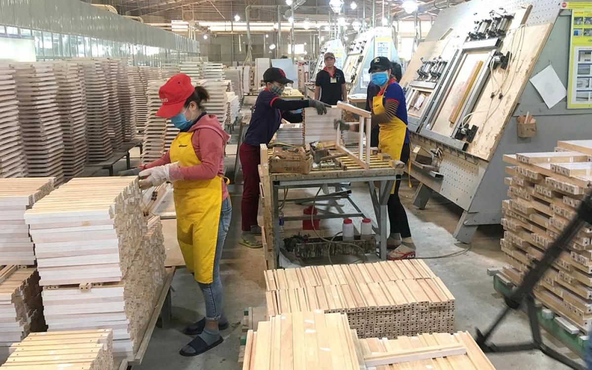 Sản phẩm gỗ Việt Nam được ưa chuộng tại nhiều quốc gia trên thế giới. (Ảnh minh họa: KT)