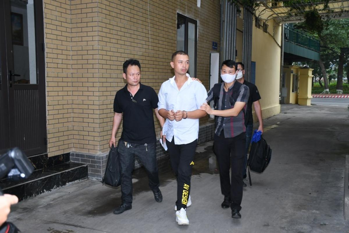 Đối tượng Lê Văn Minh bị bắt giữ tại tỉnh Bình Dương và di lý về Hải Phòng.