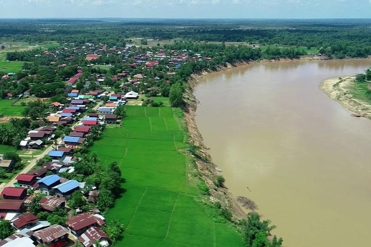 Sông Mê Công - nơi nhiều người nhập cảnh trái phép bằng thuyền .
