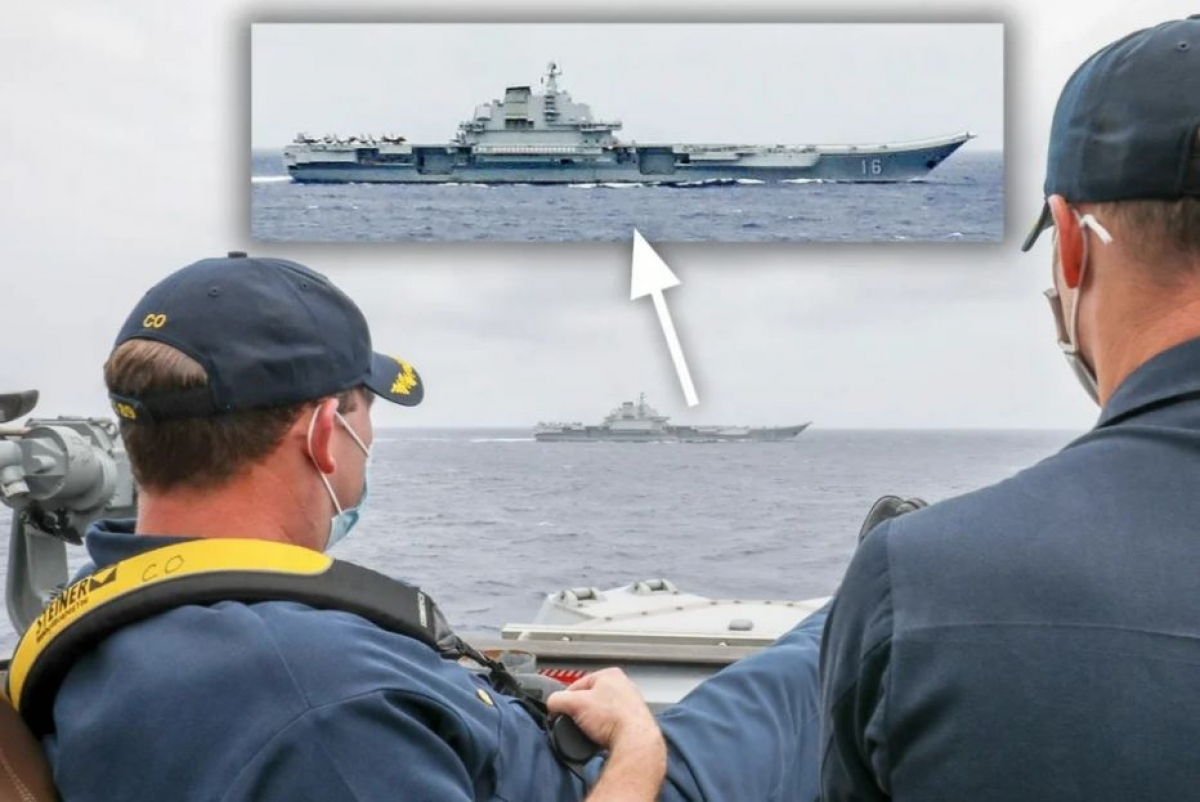 Các quan chức Mỹ đang theo dõi tàu sân bay của Trung Quốc từ tàu của mình. Ảnh: Handout