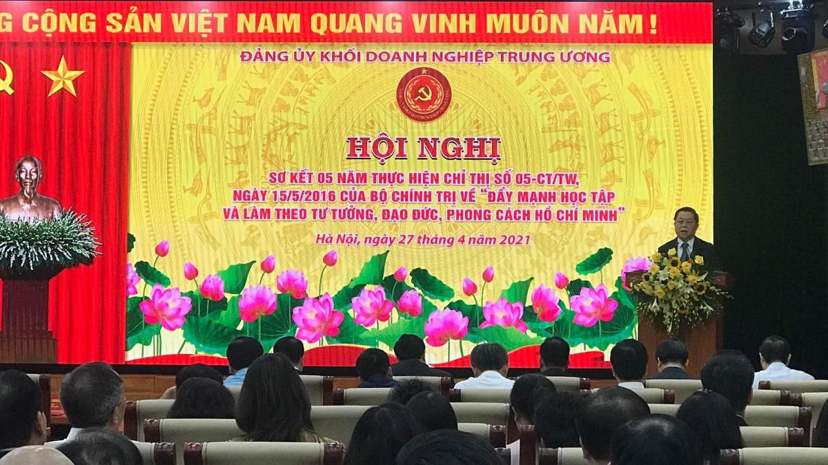 Ông Nguyễn Trọng Nghĩa phát biểu tại buổi làm việc.