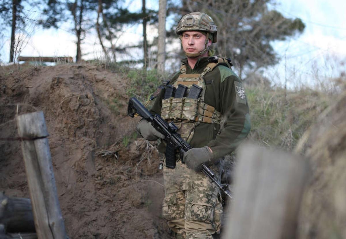 Binh lính Ukraine ở Schastya, khu vực Lugansk ngày 16/4/2021. Ảnh: Getty