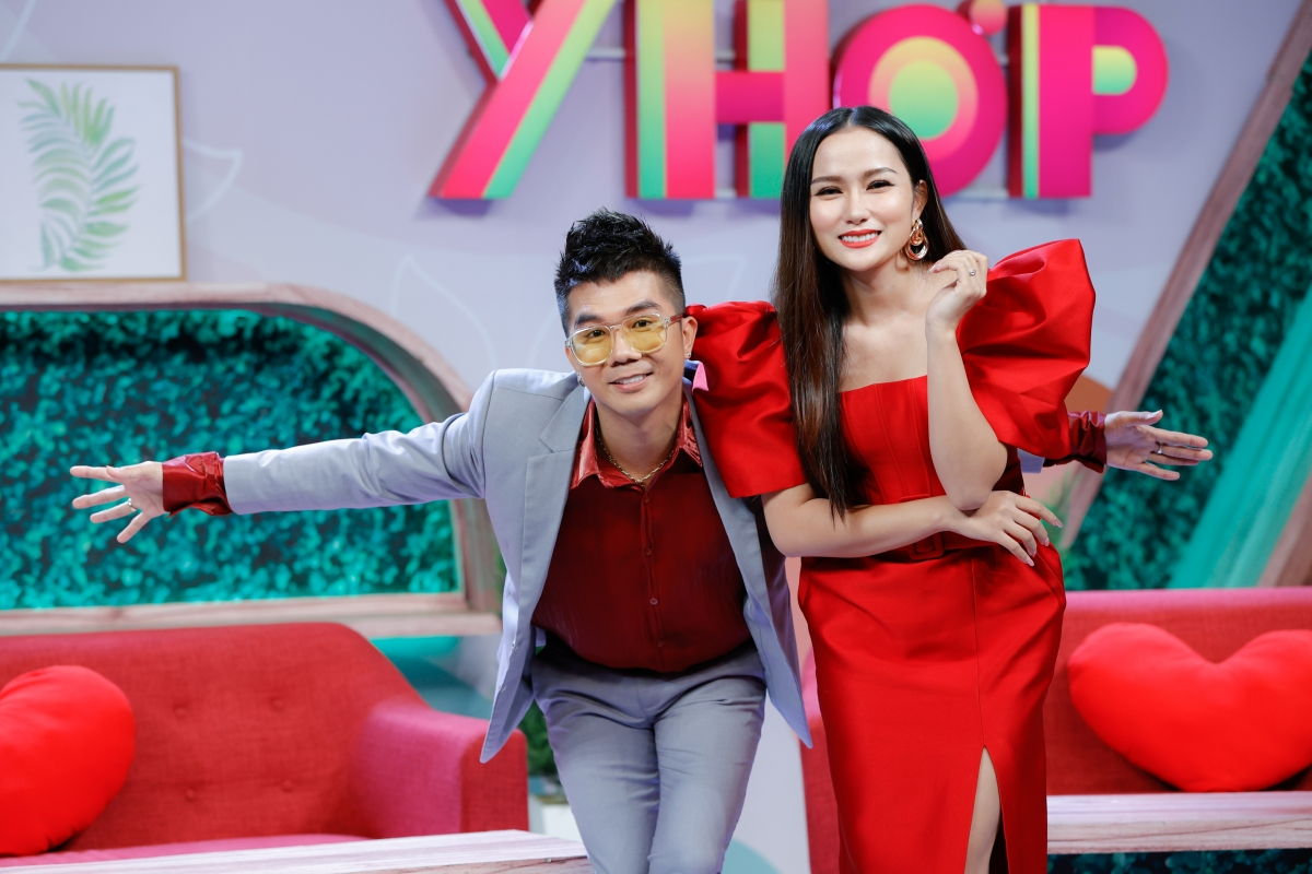 Ca sĩ Khánh Đơn và diễn viên Huỳnh Như.