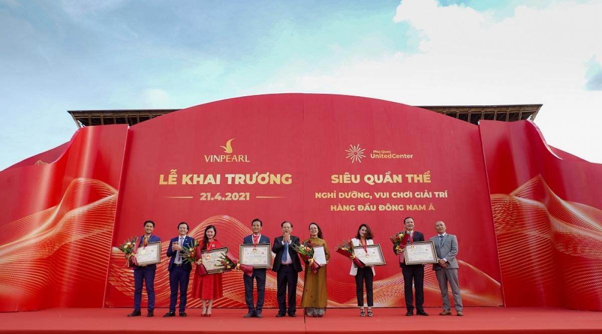 Siêu quần thể không ngủ đầu tiên của Phú Quốc lập kỷ lục khi cùng lúc được công nhận 5 kỷ lục quốc gia.