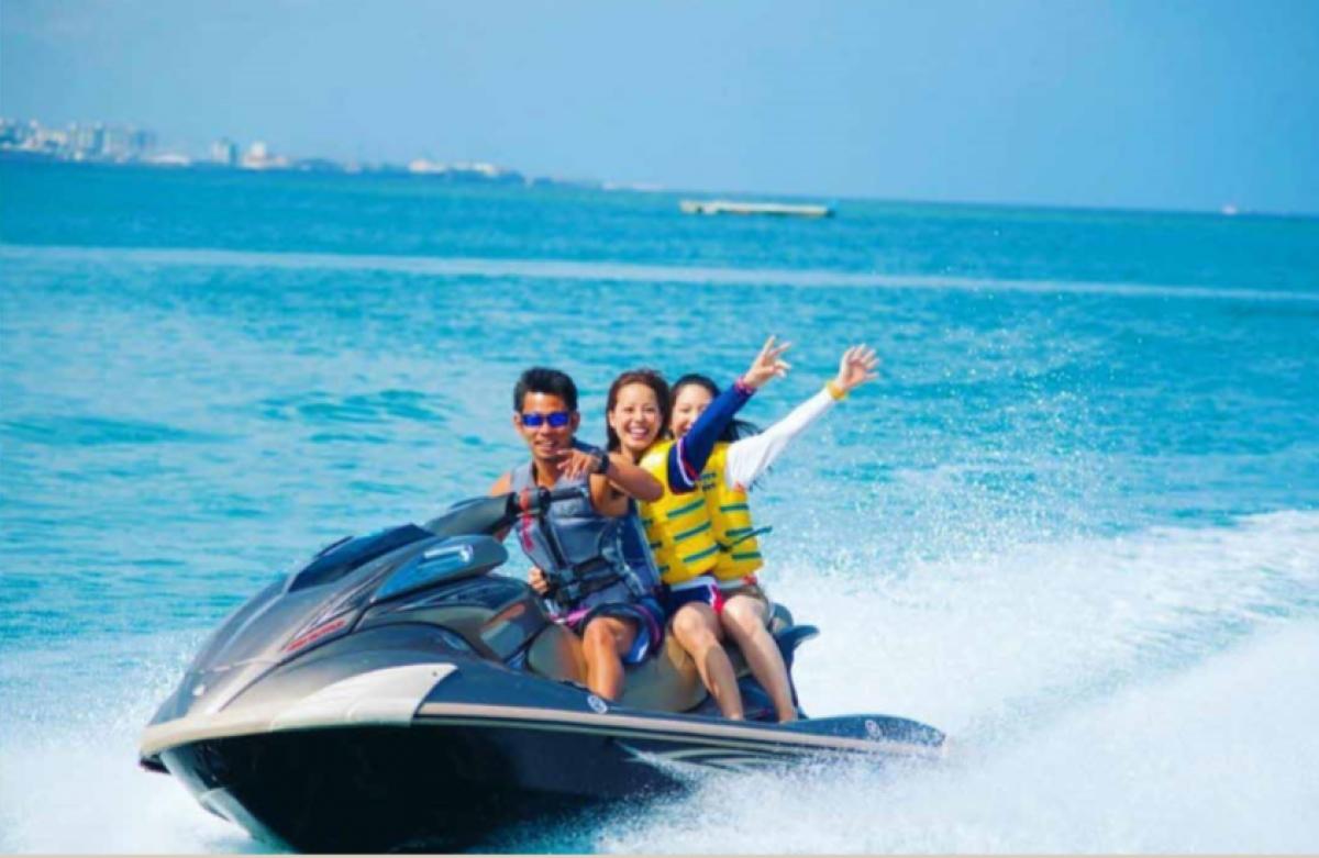 Tắm biển, thử sức motor nước,… sẽ là những hoạt động biển đặc quyền của cư dân Thành phố biển hồ
