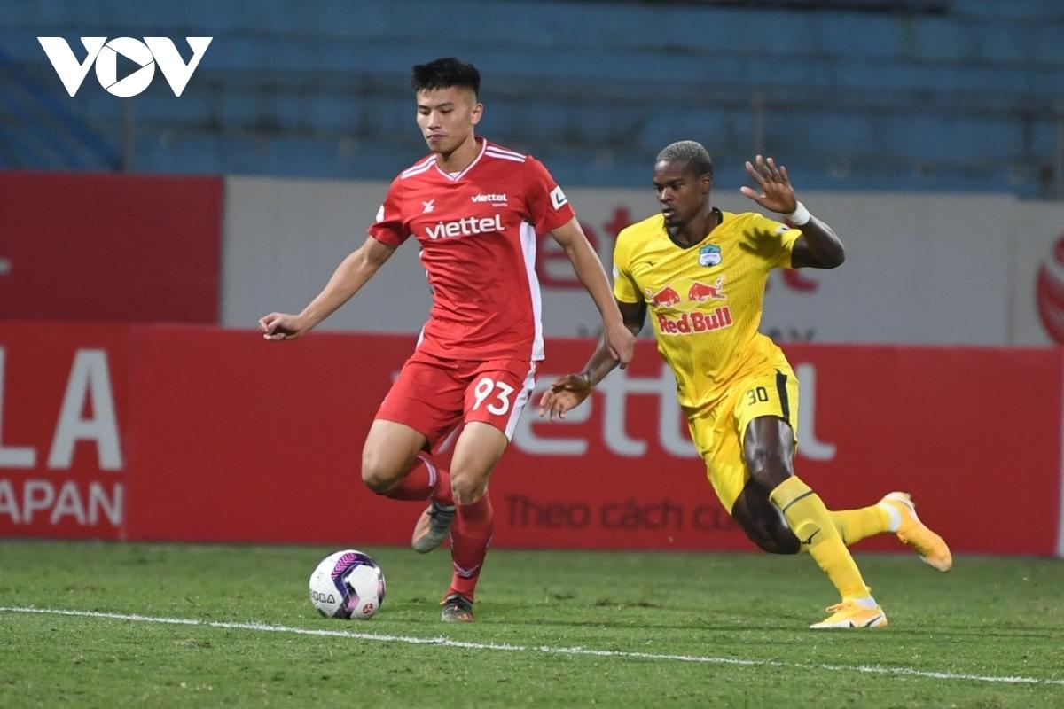 Viettel sẽ tái đấu HAGL ở nhóm A giai đoạn II V-League 2021. (Ảnh: Dương Thuật).
