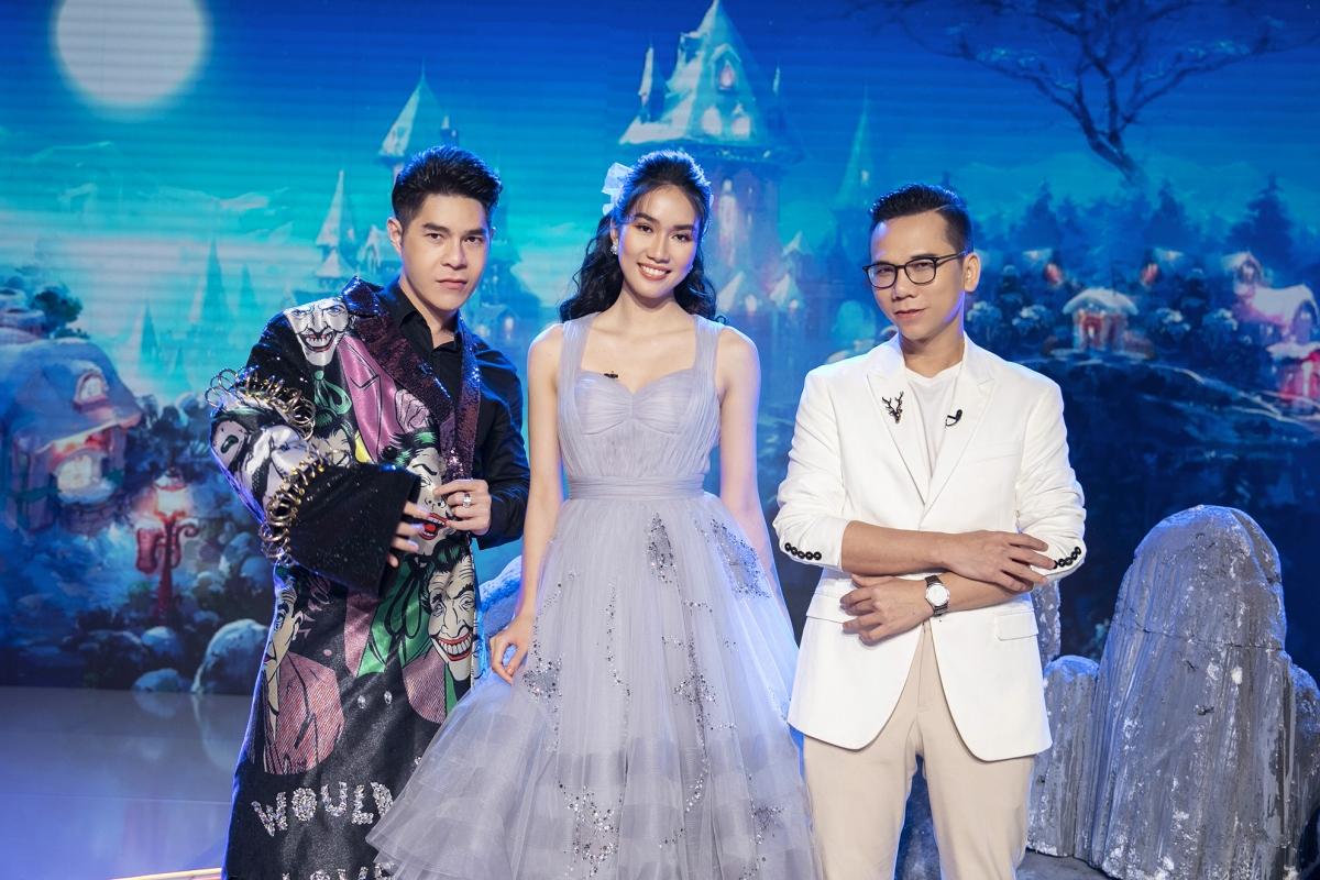 """Á hậu Phương Anh xuất hiện trong vai trò giám khảo """"Siêu mẫu nhí""""."""