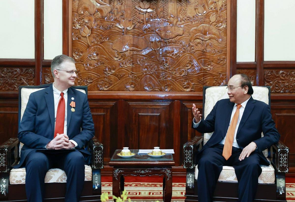 Chủ tịch nước Nguyễn Xuân Phúc tiếp Đại sứ Hoa Kỳ Daniel Kritenbrink.