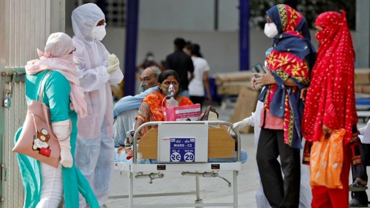 Ấn Độ ghi nhận số ca mắc Covid-19 mới cao kỷ lục. Ảnh: Sky News