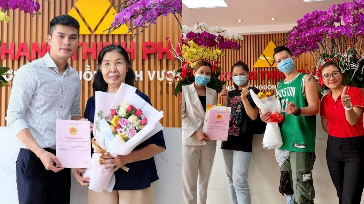 Đại diện Công ty Khang Thịnh Phát trao sổ hồng KDC Golden City cho khách hàng