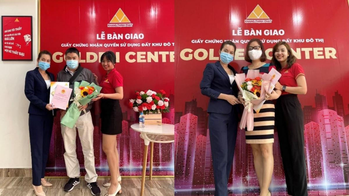 Đại diện Công ty Khang Thịnh Phát trao sổ hồng KDC Golden Center cho khách hàng