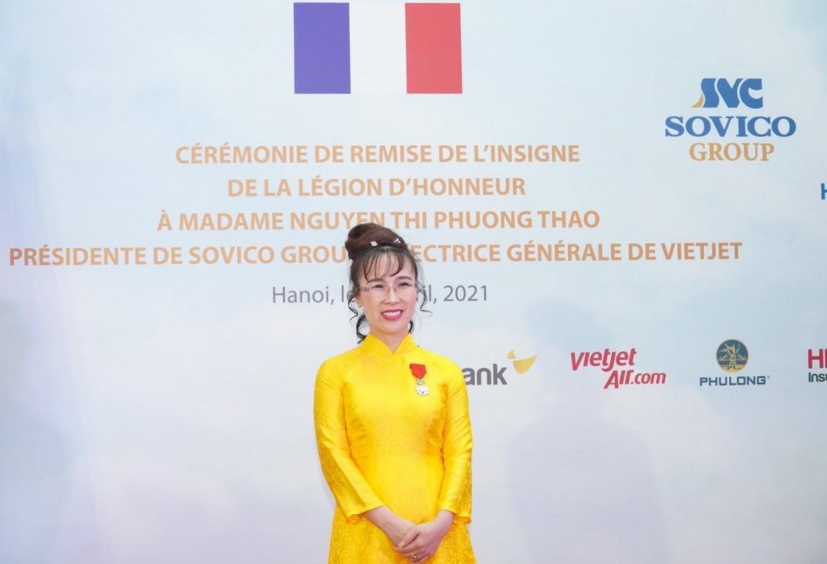 Bà Nguyễn Thị Phương Thảo tại buổi lễ trao Huân chương Bắc đẩu bội tinh do Nhà nước Pháp trao tặng.