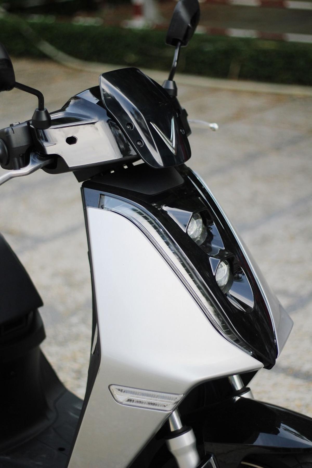 Xe máy điện VinFast Theon - một người bạn đồng hành xanh của các thí sinh trong cuộc thi